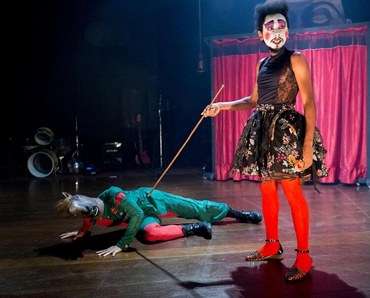 Dois espetáculos sobem hoje (20) aos palcos do 20º Festival Recife do Teatro Nacional